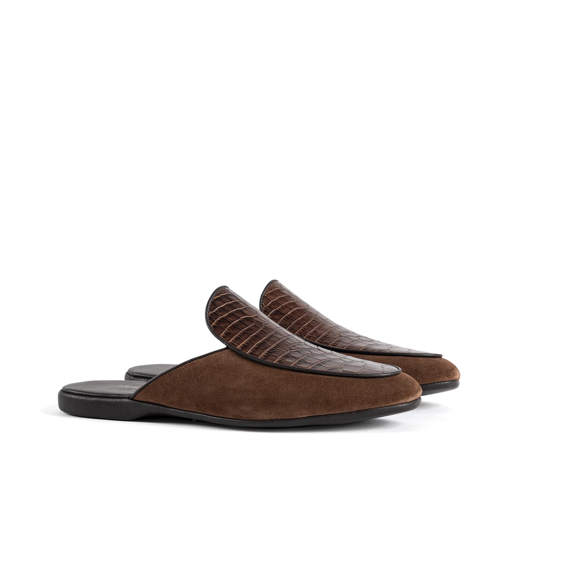 Indoor luxury slipper in brown velour - Farfalla italian slippers